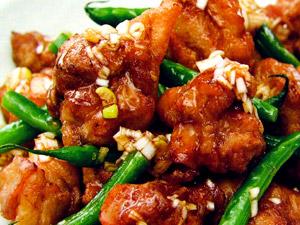 鶏肉の唐揚げといんげん豆の甘酢ソース
