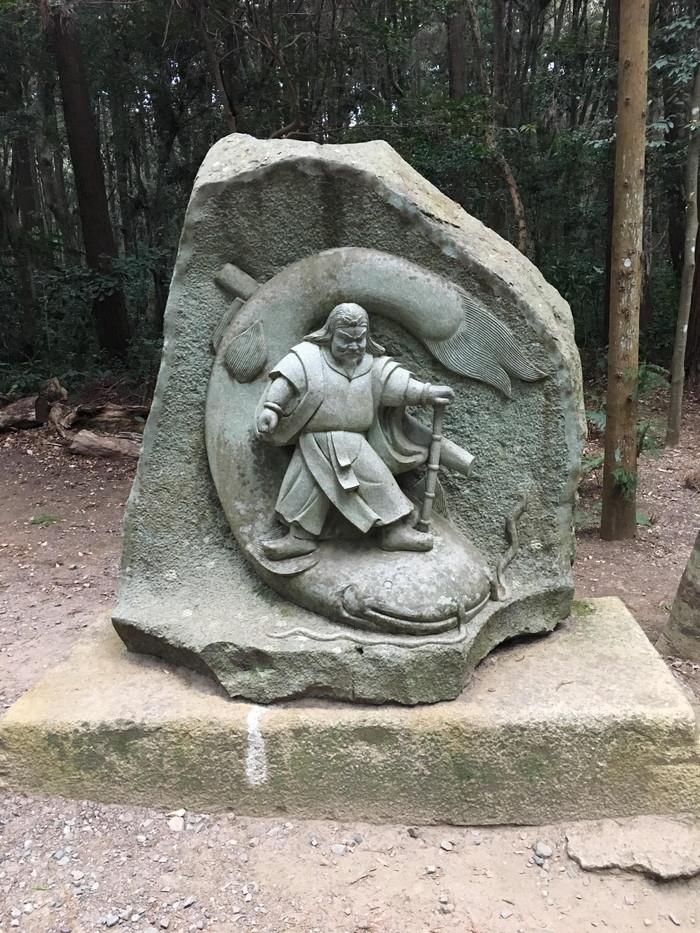 武甕槌大神の像